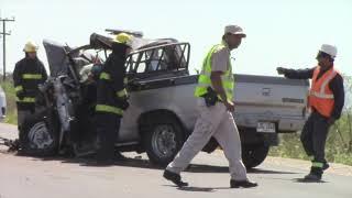 Un hombre murió tras chocar contra dos camiones cargados con rolos de madera
