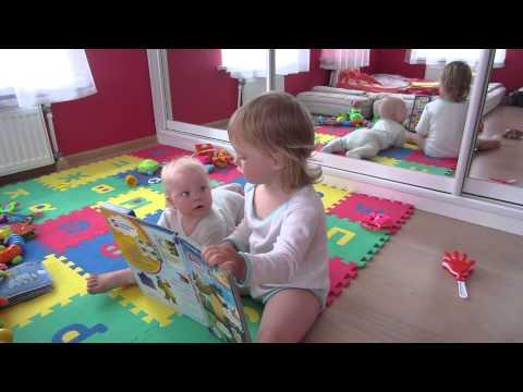 Старшая сестра учит младшую дрочить письку видео онлайн