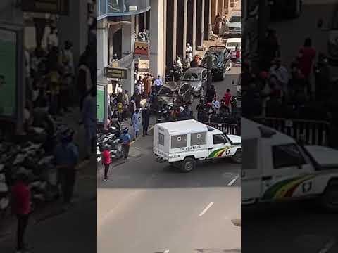 Manifestation : les blessés de guerre exigent une audience et bloquent la route vers le Palais