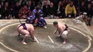 魁聖 vs 安美錦の取組。2015初場所7日目。現地オリジナル撮影。 Grand S...