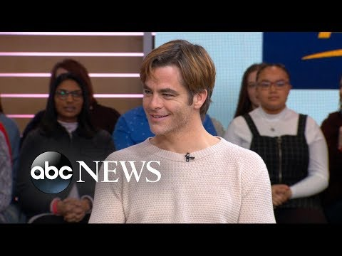 'I Am The Night's' Chris Pine teases himself over Monday morning energy