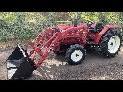 Download SHIBAURA D23F 4WD Compact Tractor & Power Loader Bucket