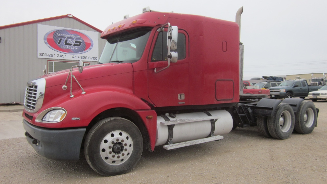 hight resolution of 2006 freightliner columbia 120 conventional w sleeper