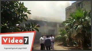 الدفع بـ11 سيارات إطفاء للسيطرة على حريق مخازن الجمرك بشارع رمسيس