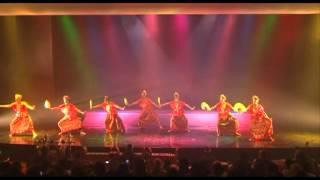 Indonesian Dance - Tari Pakarena (Sulawesi Selatan) by Nartana Buddhaya FIB-UI