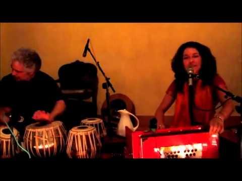 Gina Salá Kirtan: Om Mata Om Kali