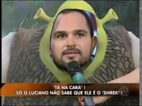 """Luciano vira Shrek e Zezé vira Amy Winehouse no quadro """"Tá na cara"""". Veja!  #arquivolegendários"""