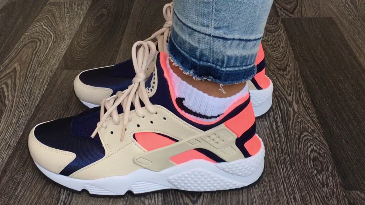 f099efd312c5 Nike Wmns Air Huarache Run (Oatmeal   Binary Blue - Lava Glow ...