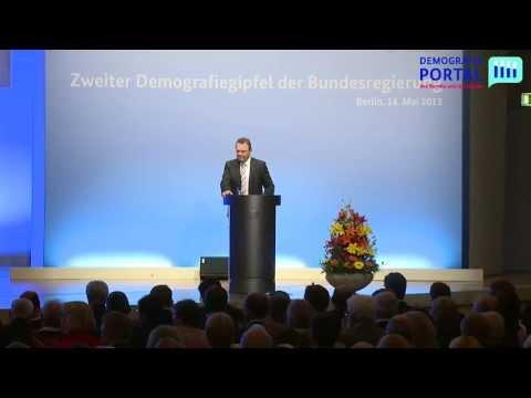 Demografiegipfel 2013 (Teil 1/8) - Bundesinnenminister Friedrich eröffnet den Gipfel