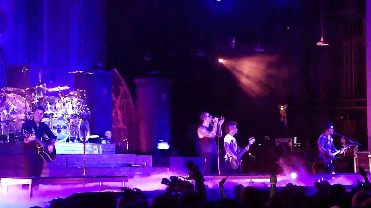 Avenged Sevenfold So Far Away Tribue To The Rev Live In