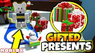 *NEW* GIFTED FESTIVE BEE AND SECRET GIFTED PRESENTS! (Roblox Bee Swarm Simulator Beesmas Update)