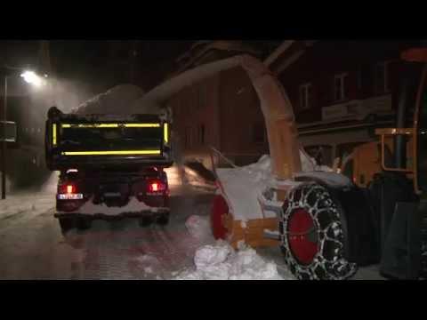 Lindenberg - Winterdienst kämpft gegen Schneemassen