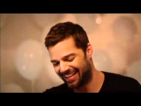 ricky-martin-sings-happy-birthday