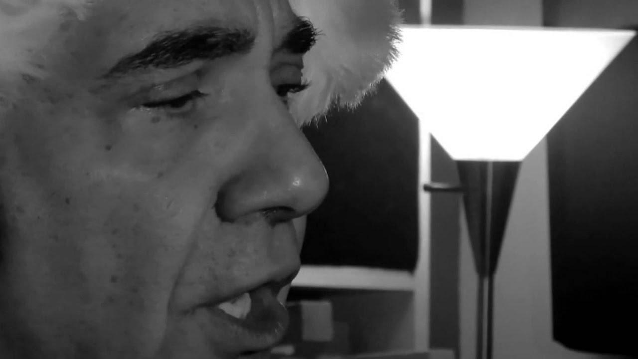 Blue Christmas with Dave Petti as Porky Pig & Elvis Presley - YouTube