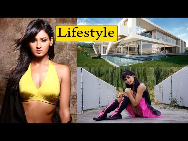 Shakti Mohan Lifestyle, House, Car, Net Worth, Boyfriend, Boyfriend, Figure, & Biography