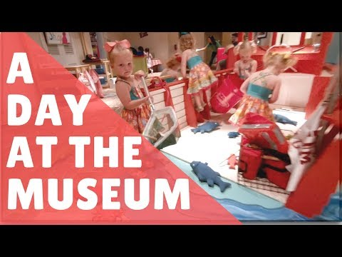 Quintuplets at the Museum Family VLog