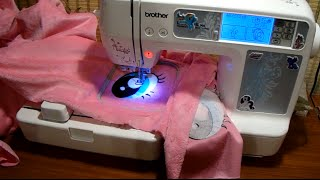 Машинная вышивка BROTHER Innov-is 90E(Машинная вышивка, личный дизайн. Вышивка 100х100 мм (максимальный размер) Первый элемент на видео машина вышив..., 2016-01-12T12:52:27.000Z)