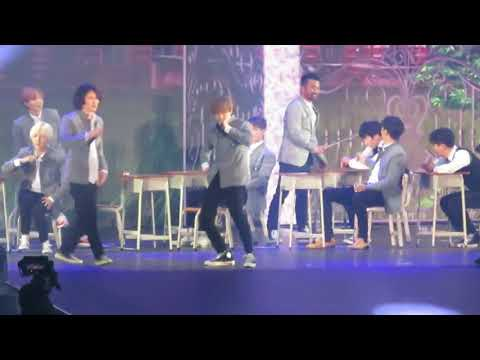 Super junior 'Super Show 7' in hongkong performance Runaway