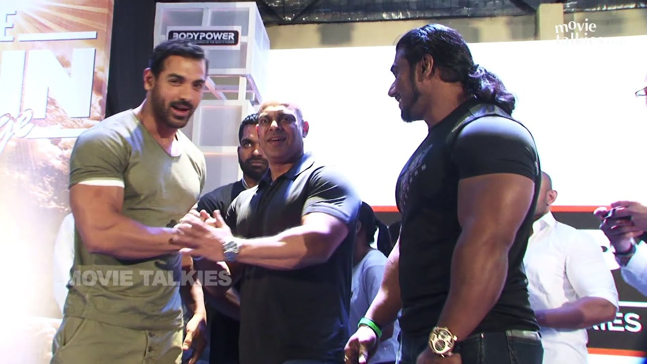 John Abraham Inaugrates Body Expo Gym - YouTube