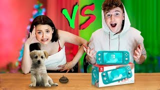 CHEAP VS EXPENSIVE CHRISTMAS PRESENTS CHALLENGE! 🎁