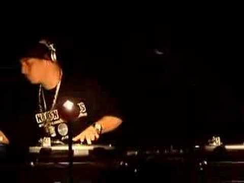 DJ Kid Capri Scratching Live