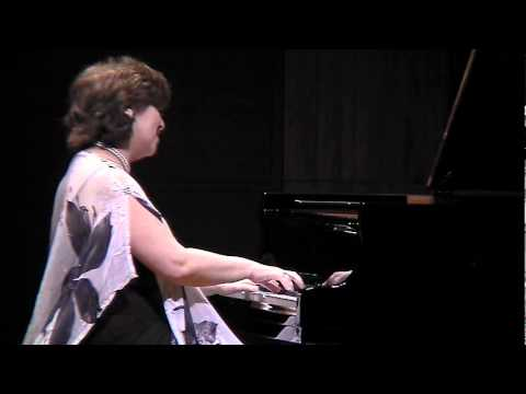 Dina Yoffe plays Chopin Scherzo n.1