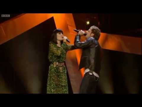 James Morrison & Jessie J perform