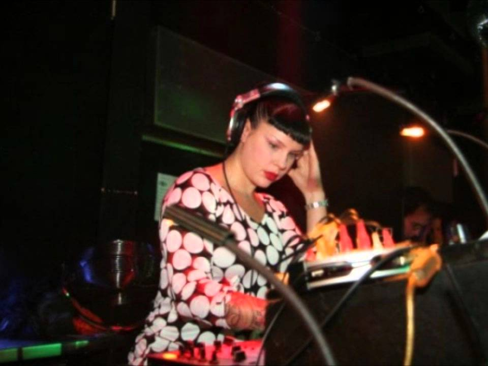 miss kittin live hr 3 clubnight spezial ostermarsch youtube. Black Bedroom Furniture Sets. Home Design Ideas
