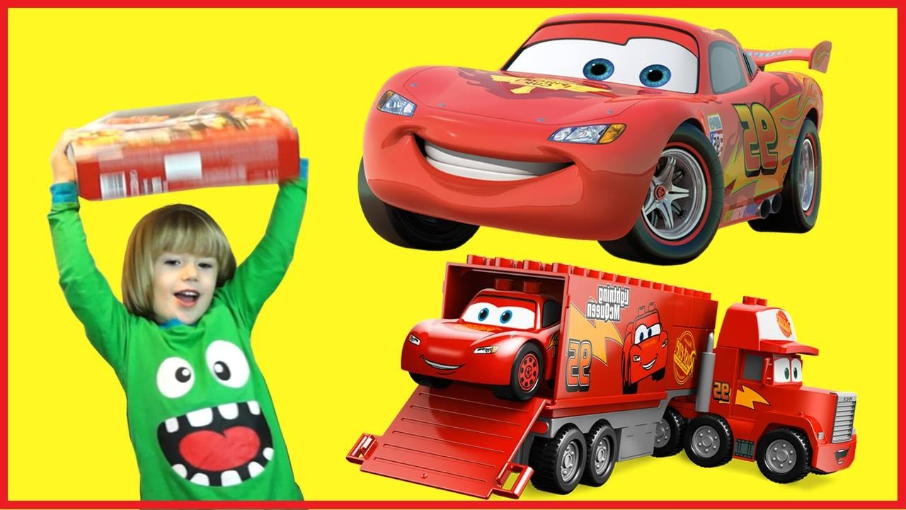 lightning mcqueen 100 cars toys giant monster truck opening kids video youtube. Black Bedroom Furniture Sets. Home Design Ideas