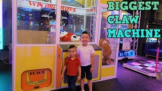GIANT CLAW Machines Arcade Games Family Fun Amusement Timezone CKN Toys