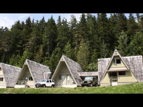 Nakusp Hot Springs, Cedar Chalet Accommodations & Hiking Trails