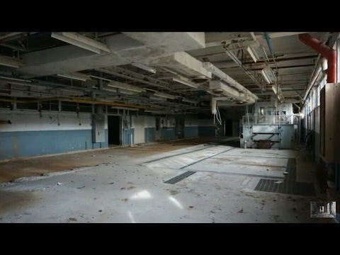 Urbex: Massive Abandoned  Corp. HAZARDOUS CHEMICAL SPILL SITE! P1