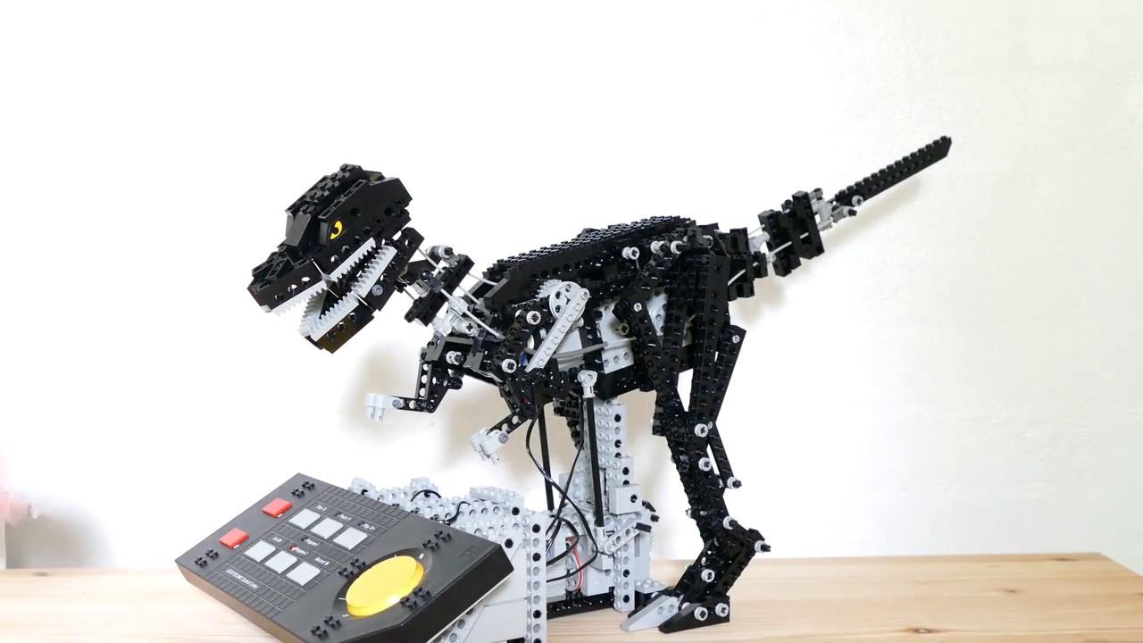 Dinosaur - LEGO Technic 8485 Control Center II (4K)