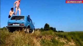 Skok z samochodu ROSJA