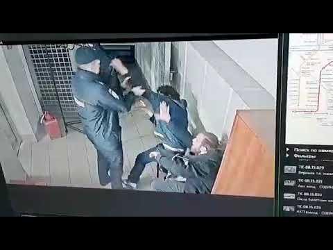 Драка полиции и задержанных в метро в 3-м отделе полиции УВД на Московском метрополитене