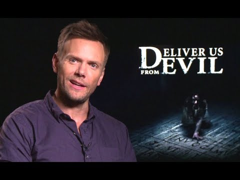 Joel McHale Interview - Deliver Us From Evil (2014) JoBlo.com ...