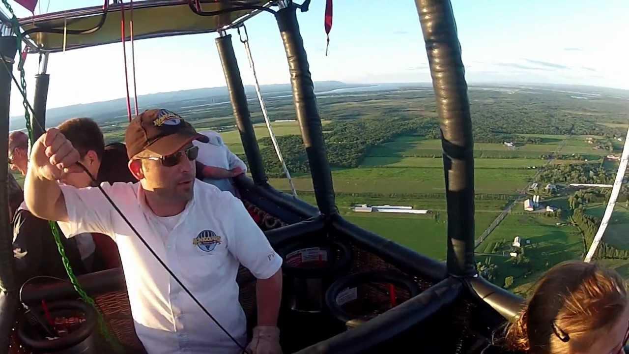 saut en parachute depuis une montgolfiere