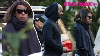 Kelly Rowland Plays With Christmas Gifts At Her Home With Family 12.29.15 - TheHollywoodFix.com