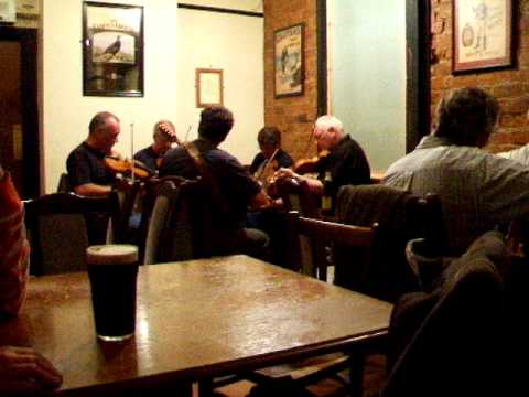 music session at Fealty's (Bangor, Northern Ireland, 2007) part 4