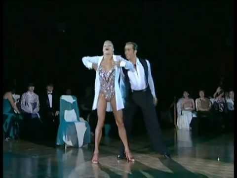 Riccardo Cocchi & Yulia Zagoruychenko - Cha Cha