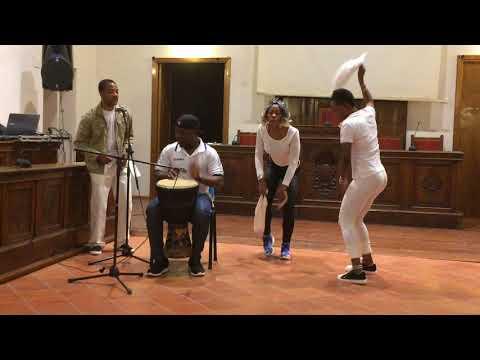 CAS(Centro Acoglienza Straordinaria) di Torremaggiore -canto e ballo africano 2
