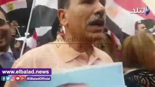 أبو العينين يهتف «تحيا مصر» في مظاهرات تأييد السيسي في نيويورك.. فيديو