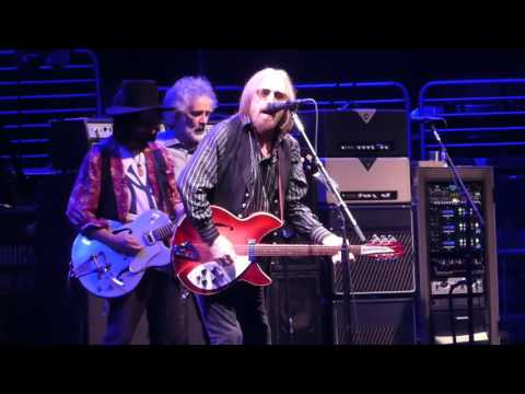 """I Wont Back Down"" Tom Petty@Wells Fargo Center Philadelphia 7/29/17"