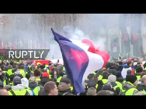 """LIVE: """"Yellow vest"""" movement protests continue for a fourth week in a row in Paris - CAM 1"""