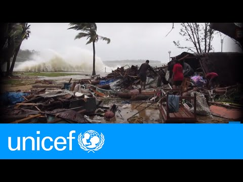 A snapshot of the cyclone that hit Vanuatu | UNICEF