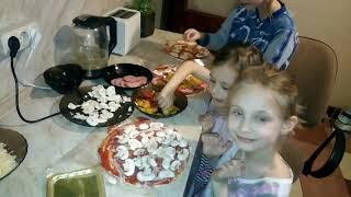 Готовим пиццу!!!    #пицца #выпечка #маленькиеповорята