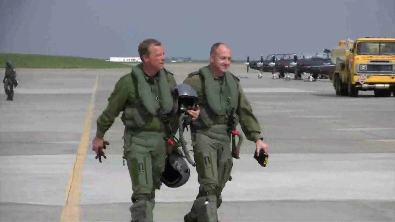 flying in the ct-155 hawk at 15-wing moose jaw