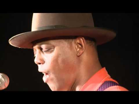 Why Eric Bibb Plays Elixir Strings Exclusively