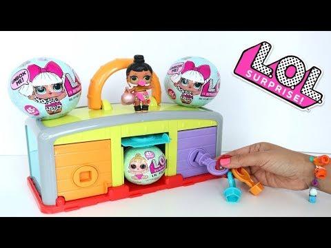 Muñeca L.O.L. juego de Adivinar las Puertas con Muchas Sorpresas y juguetes Niños contra Niñas!!!