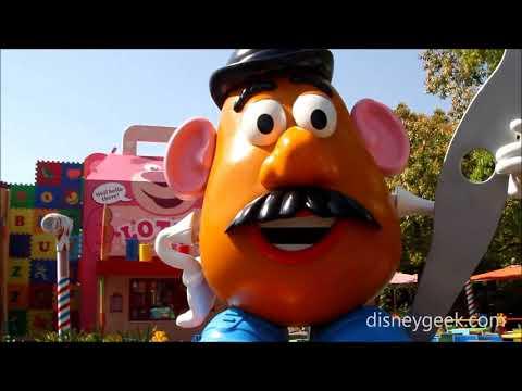 Shanghai Disneyland: Mr. Potato Head at Toy Box Cafe